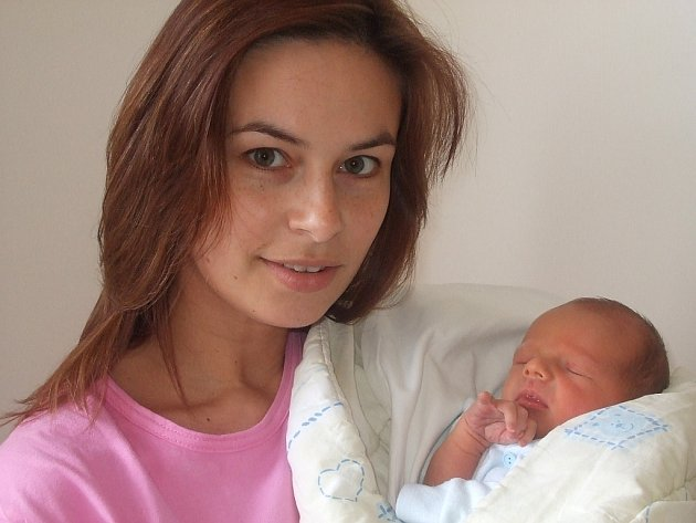 Adam Melcer se narodil 15. března v Čáslavi. Vážil 2600 gramů a měřil 47 centimetrů.