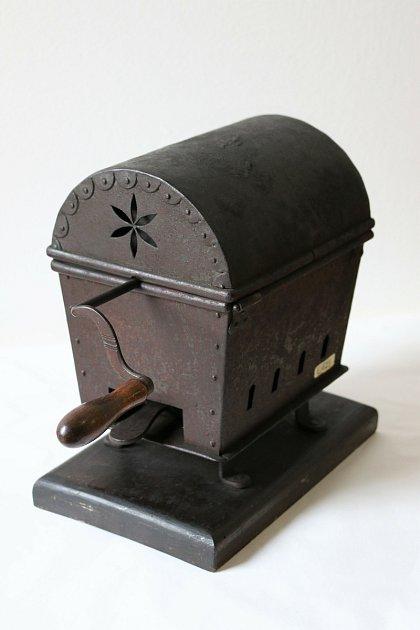 Za jakým účelem se kdysi používal tento předmět?