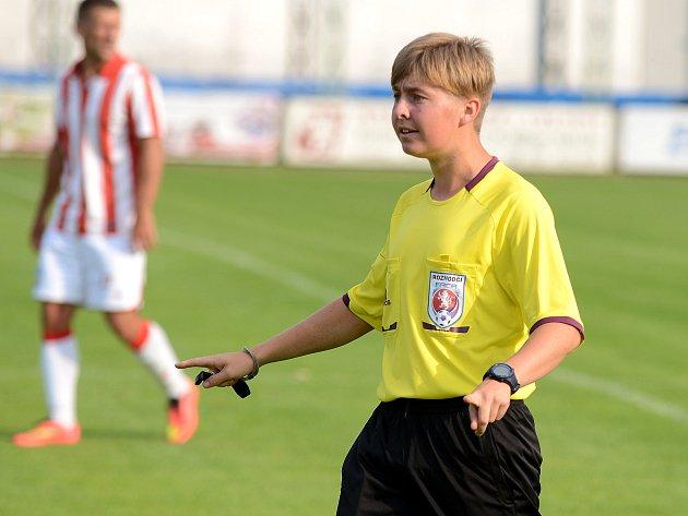 Mladý ambiciózní rozhodčí z Kutnohorska David Zoufalý.