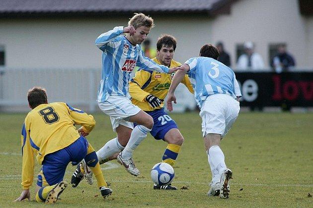 Fotbal II. liga: Čáslav - Zlín 2:3, neděle 15. listopadu 2009