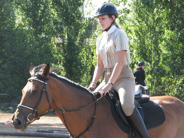 Parkurové závody koní se uskutečnily v Přítokách.