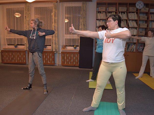 Ve Zbraslavicích cvičí pravidelně jógu.