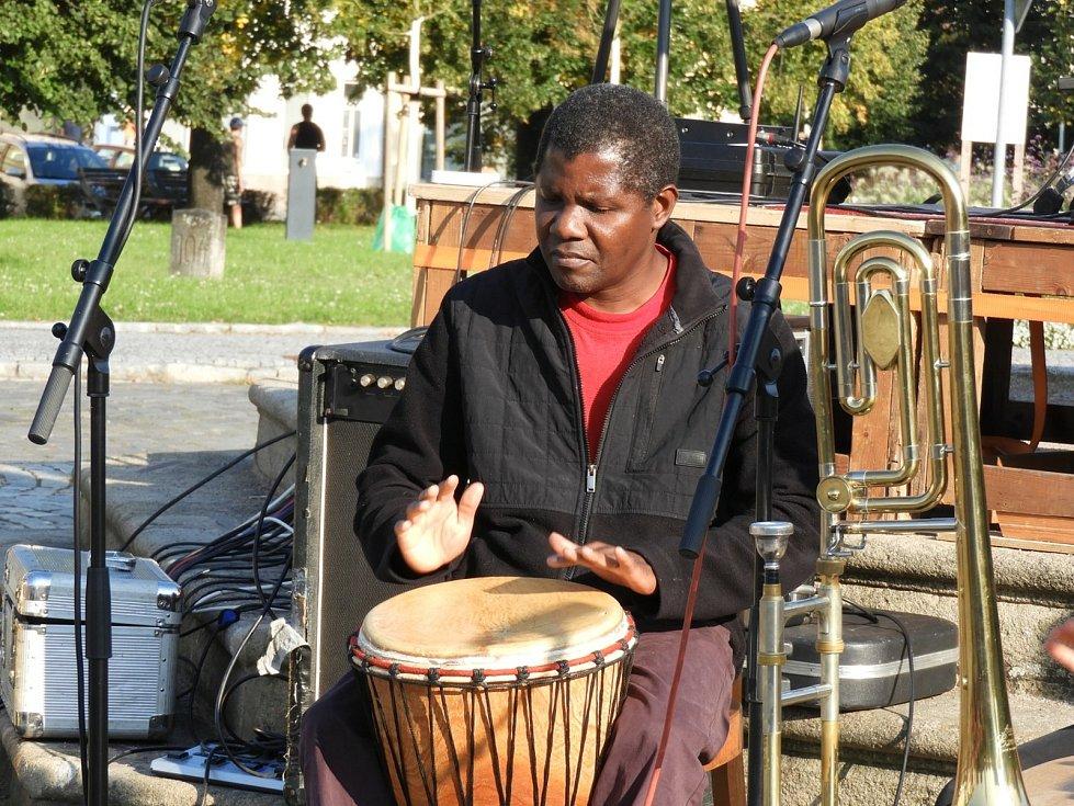 V Čáslavi bubnoval farář Leonardo Teca.