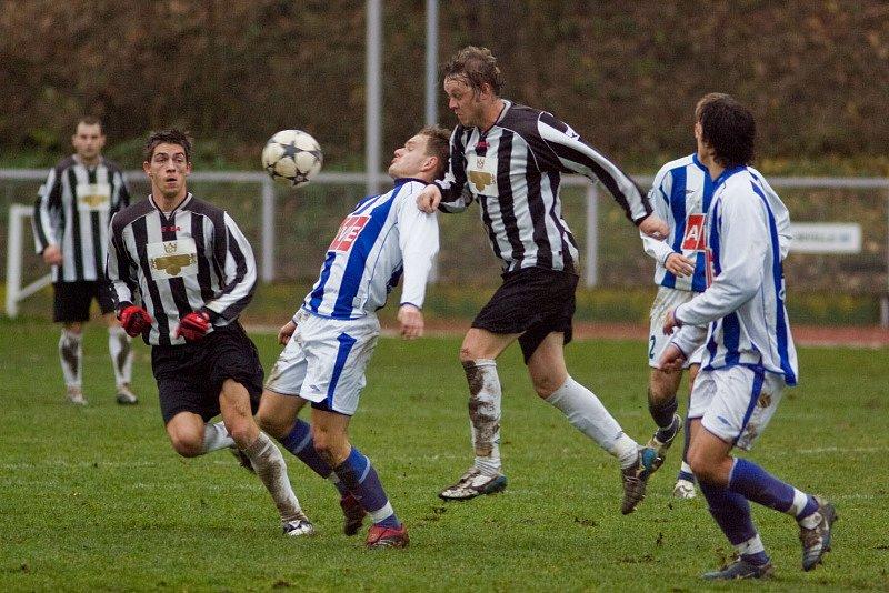 Fotbal I. A třída: Čáslav B - M. Hradiště 1:0, neděle 16. listopadu 2008