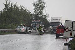 Na čáslavském obchvatu si nehoda vyžádala dva životy .