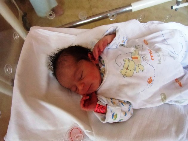 Michaela Ferencová se narodila 20. srpna v Čáslavi. Vážila 2850 gramů a měřila 49 centimetrů. Doma v Kutné Hoře ji přivítali maminka Naděžda a sestra Angelika