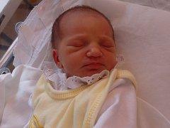 Adéla Vavřínová se narodila 15. června vČáslavi. Vážila 2650 gramů a měřila 50 centimetrů. Doma v Markovicích ji přivítali maminka Martina, tatínek Martin a bratr Lukáš.