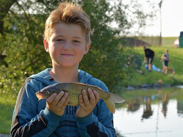 Mladí rybáři ve Zbraslavicích