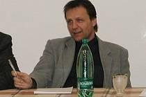 Ředitel firmy Silnice Čáslav Lubomír Tvrdík.