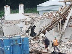Demolice bývalé budovy ČSAD pokračuje