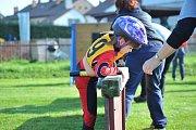 Mladí hasiči předvedli svou obratnost na překážkové dráze.