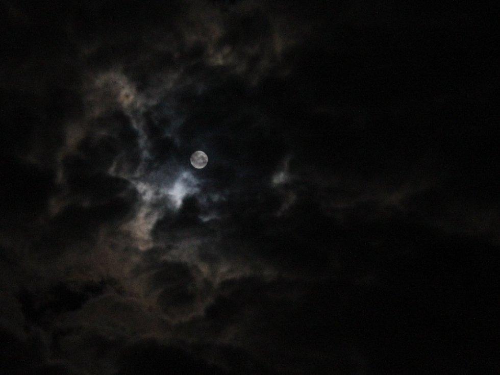 Zatmění Měsíce v Kutné Hoře 28. září 2015