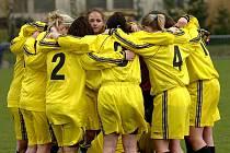 Fotbal ženy: Uhlířské Janovice - Poděbrady, 11. 4. 2010