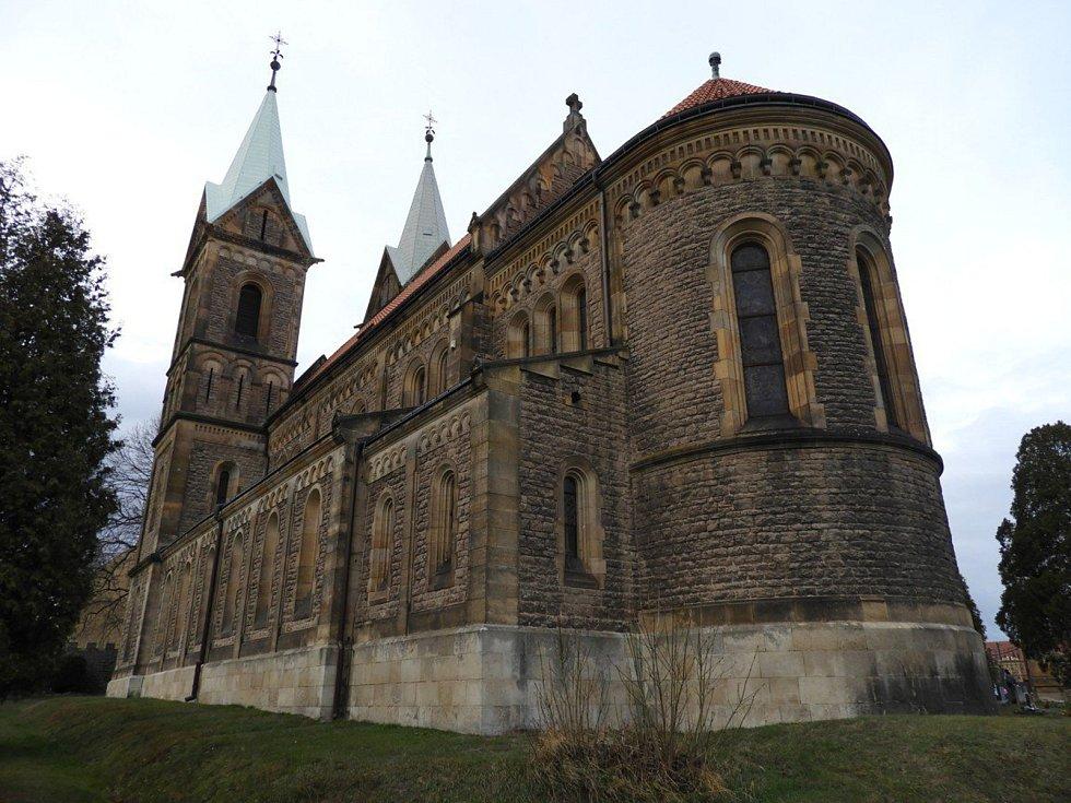 Kostel Nanebevzetí Panny Marie v Gruntě.