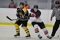V prvním kole krajské hokejové ligy prohráli kutnohorští Sršni na ledě Poděbrad 0:4.
