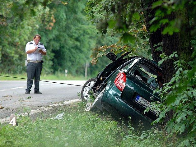 Dopravní nehoda mezi Novými Dvory a Svatým Mikulášem. 3. 8. 2010