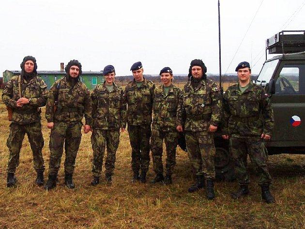 Společný výcvik čáslavských spojařů a strakonických vojáků z protiletadlového raketového oddílu v Druhanicích.