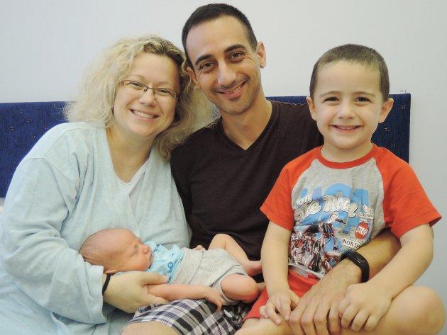 Mateo Lopéz Andrés se narodil 27.července 2017 jako druhorozený syn rodičům Šárce a Samuelovi z Kolína. Po porodu se pyšnil váhou 3650 gramů a mírou 53 centimetrů. Doma ho netrpělivě očekával tříletý bratříček Natanael.