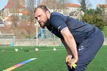 Z testování mladých fotbalistů v Čáslavi za účasti bývalého reprezentanta Tomáše Ujfalušiho.