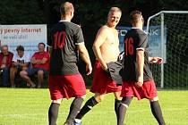 Z fotbalového přátelského zápasu: AFK Bratčice - SK Zbraslavice B 2:1 (1:0).