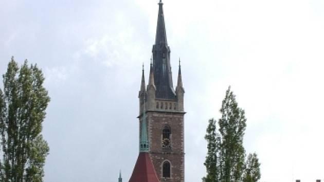 Kostel sv. Petra a Pavla v Čáslavi.