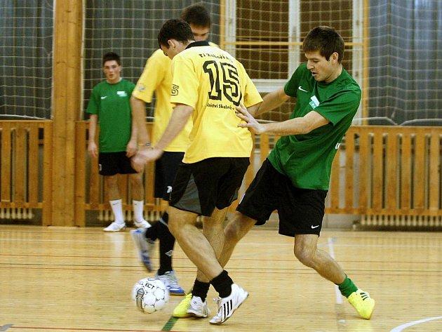 5. hrací den Club Deportivo futsalové ligy, 8. prosince 2011.
