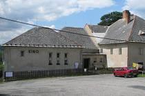 Renesanční pivovar v Ratajích nad Sázavou byl přestavěn na kino.