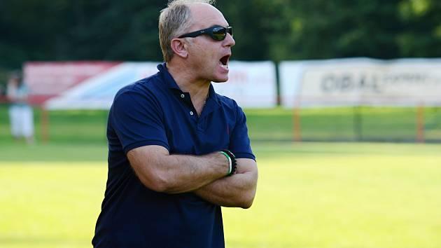 Fotbalový trenér Malešova Jiří Škramovský.