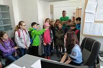 Děti ze žižkovské základní školy navštívily kutnohorské policisty.