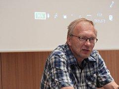 Přednášející Pavel Novák