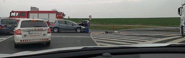 Dopravní nehoda na silnici I/38 na výjezdu od Kalabousku uČáslavi.