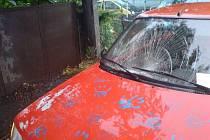 Auto srazilo nezletilou dívku v Církvici.