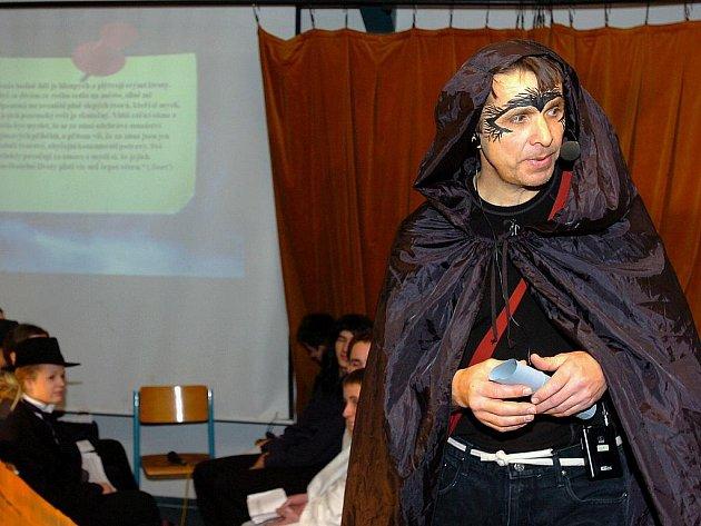 """Ortenovo gymnázium: Ročníkový projekt z filosofie na téma: """"Život a smrt napříč dějinami"""""""