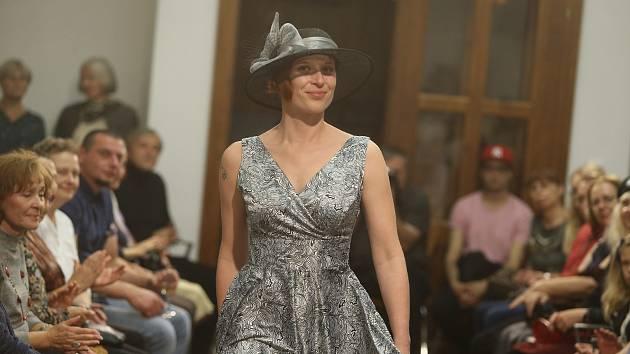 Salon Meluzína připravil další módní přehlídku.