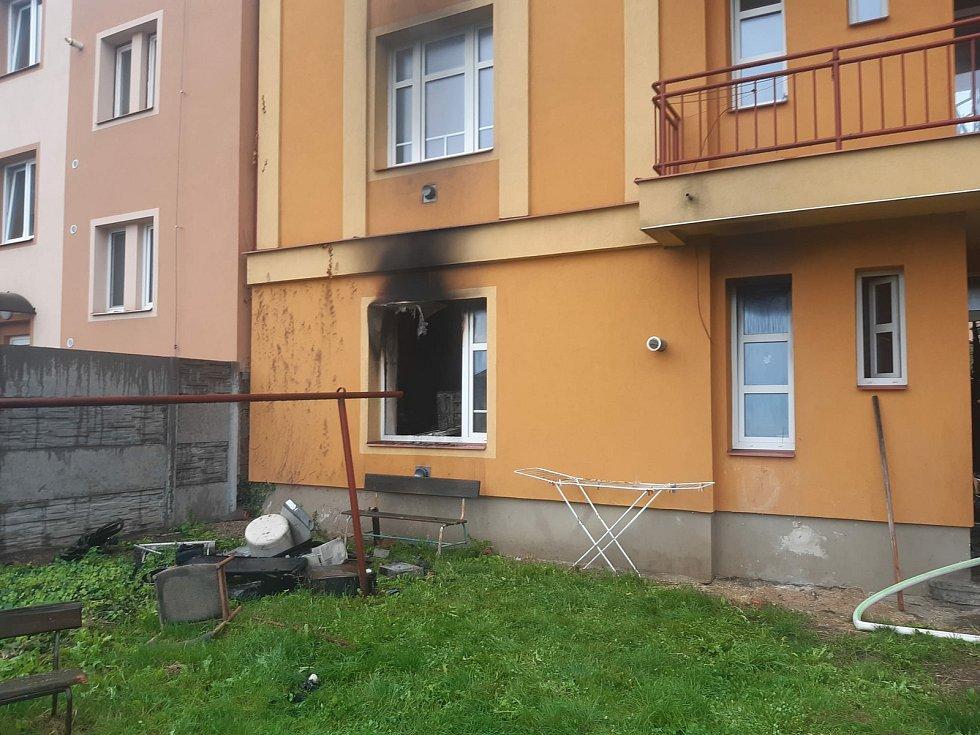 Po požáru čáslavského bytu.