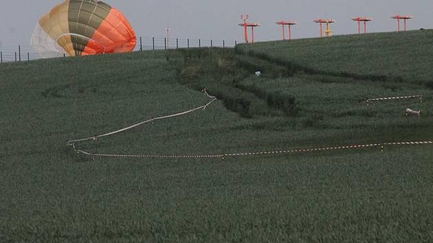 Dvoumístný letoun Jas-39 Gripen maďarské armády havaroval u Čáslavi