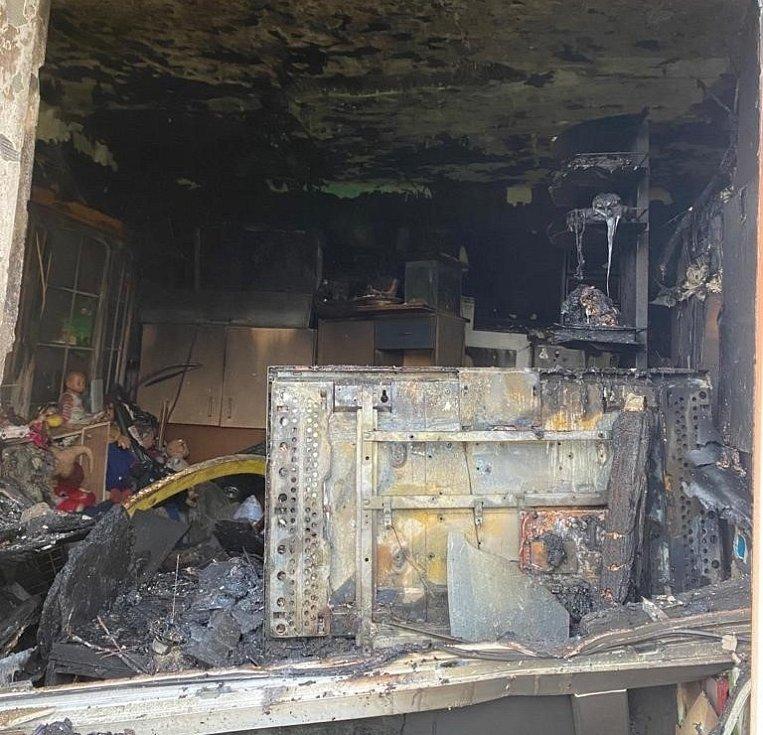 Následky požáru v jednom z městských bytů v ulici Boženy Němcové v Čáslavi.