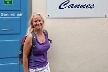 Lucie Lipenská studovala francouzštinu v Cannes.