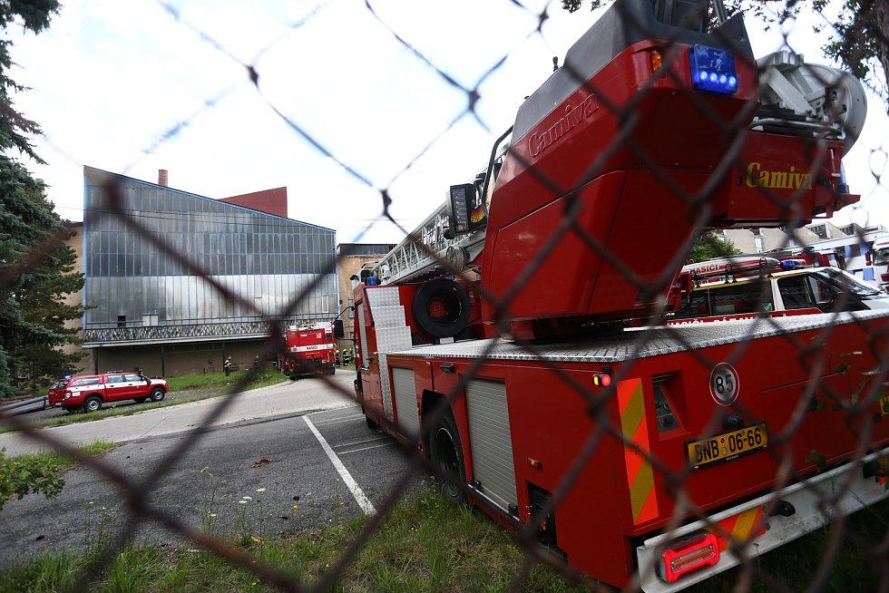 Hasiči v pátek 9. července zasahovali u požár v sázavských sklárnách.