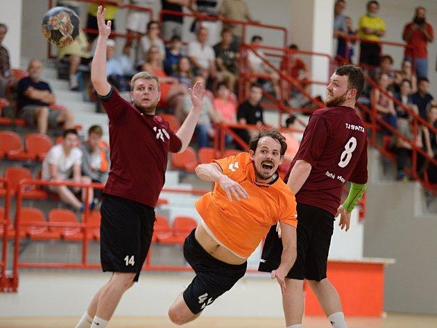 Zápas Společné regionální ligy mezi házenkáři Sparty Kutná Hora a Kolínem. Domácí zvítězili 22:20.