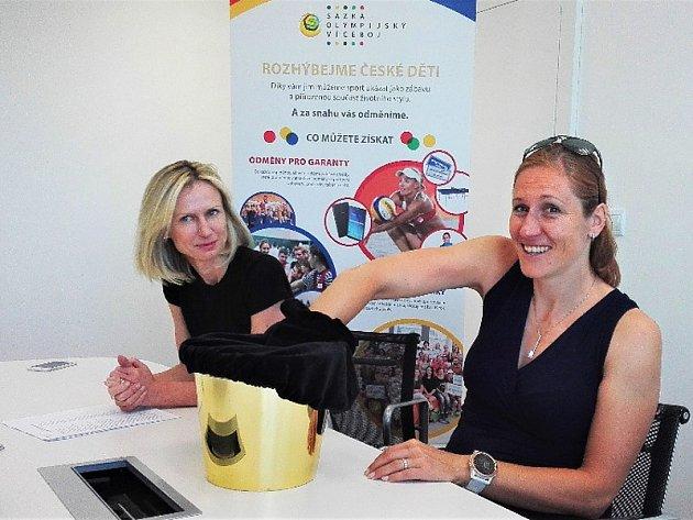 Olympijská vítězka z Londýna 2012, veslařka Miroslava Topinková-Knapková při losování hlavní ceny Sazka Olympijského víceboje.