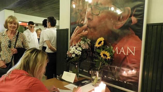 Čáslavané se naposledy rozloučili s Milošem Formanem