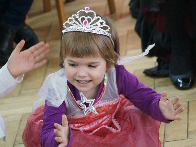 Karneval v Dobrovítově 5. března 2016