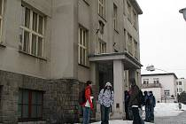 Na čáslavské střední průmyslové škole stávkovali zaměstnanci jen z části. Studentům zůstala například uzavřena jídelna.