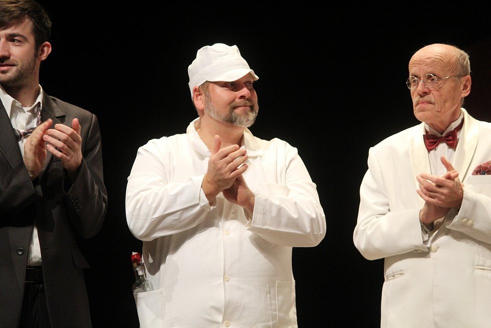 Světáci v kutnohorském Tylově divadle.