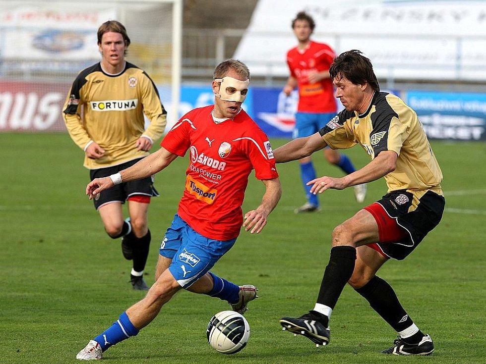 Jan Trousil při utkání v Plzni.