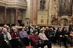 Ze slavnostního zakončení Univerzity volného času v kostele sv. Jana Nepomuckého v Kutné Hoře.