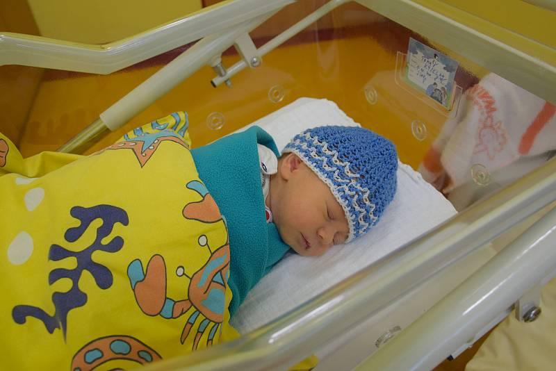 Tomáš Kyselka se narodil 1. října 2021 v 8.45 hodin v benešovské porodnici. Vážil 3200 g. Doma v Čerčanech ho přivítali maminka Iveta, tatínek Pavel a dvouletý bráška Martin.