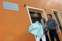 Setkání rodáků u příležitosti stého výročí založení školy v Sulovicích.