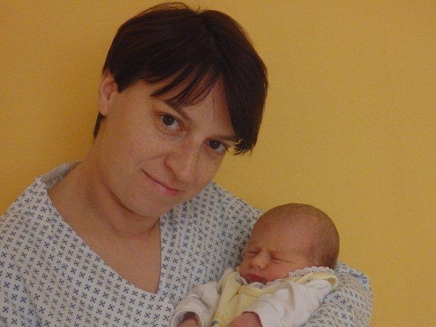 Ema Hospodková se narodila 3. listopadu vČáslavi. Vážila 2720 gramů a měřila 47 centimetrů. Doma v Žehušicích ji přivítali maminka Simona, tatínek Viktor a sestra Denisa.